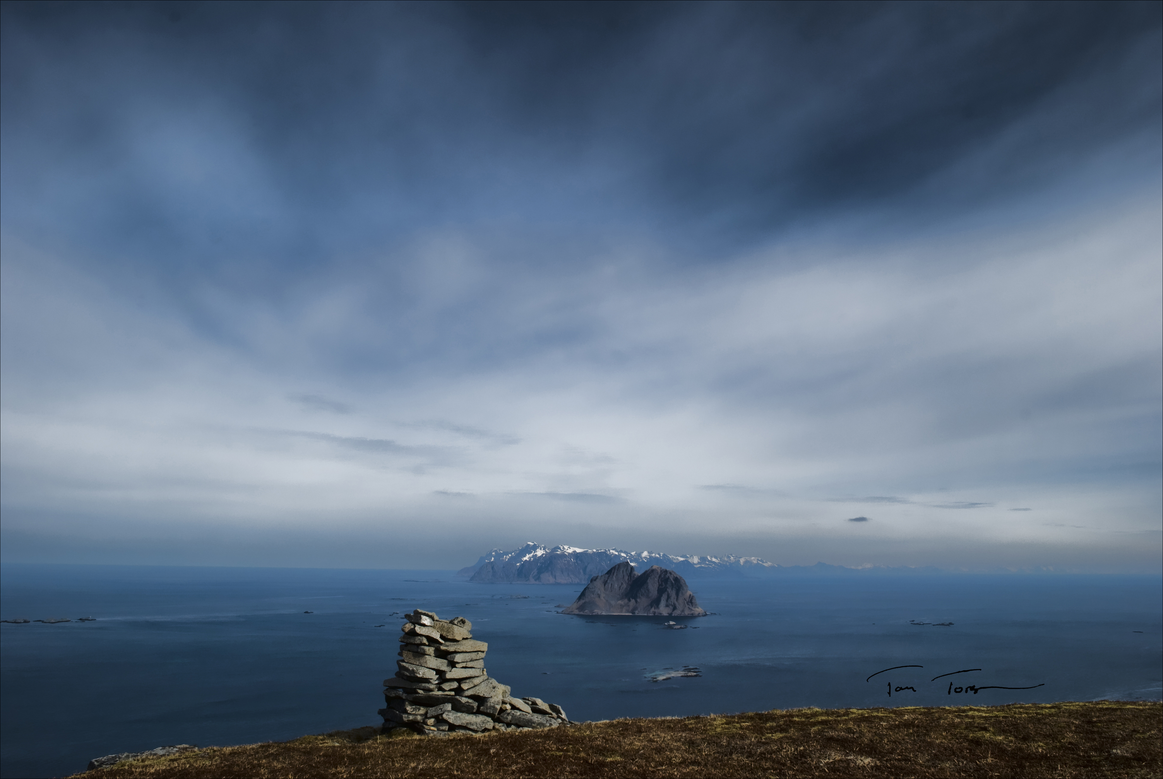 Lofotveggen sett fra Værøy